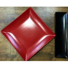 Тарелка черная квадратная 24х24 см MING