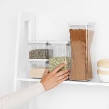 Банка для хранения сыпучих продуктов-пластиковая с крышкой 1,6 л