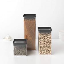 Банка для хранения сыпучих продуктов-пластиковаяс крышкой 2,5 л
